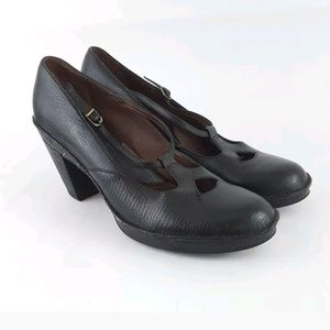 Clarks Artisan Mary Jane 8.5 pumps black leather